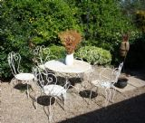 VINTAGE SET OF FRENCH GARDEN TABLE & CHAIRS FOR RESTORATION.